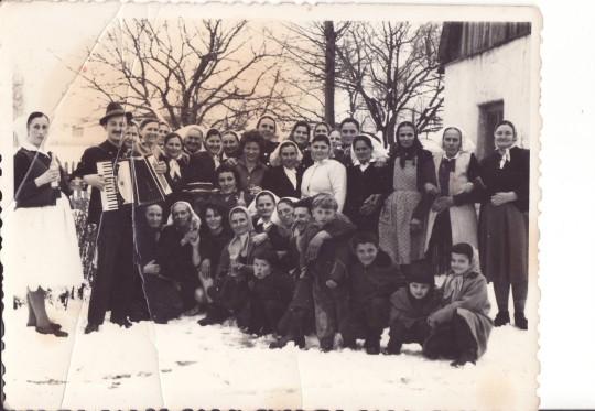 76 Прослава 8. марта код Школе Винска, Ј. Џабић итд.